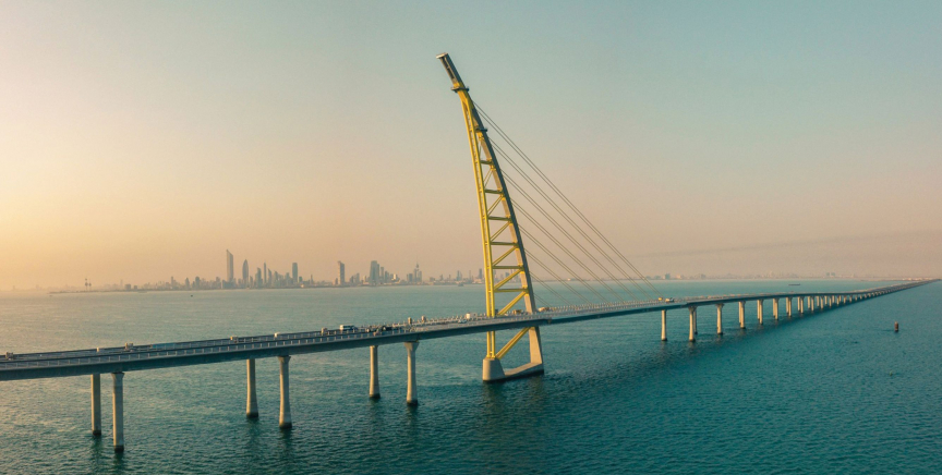 The 48km causeway link is predominately a marine bridge that crosses the south of Kuwait Bay.
